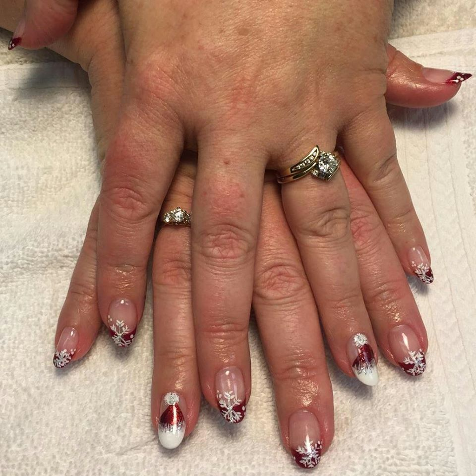 Holiday shellac nails